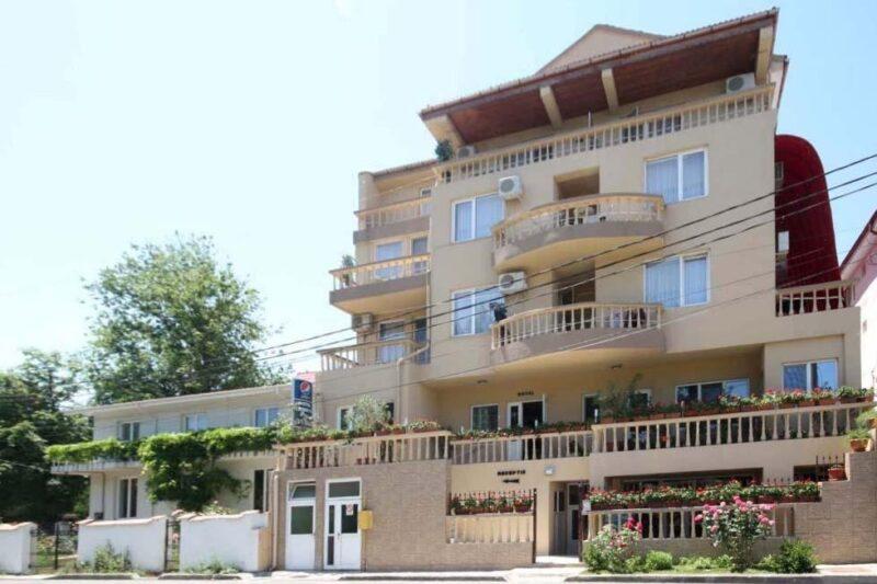 HOTEL DYNES 3*
